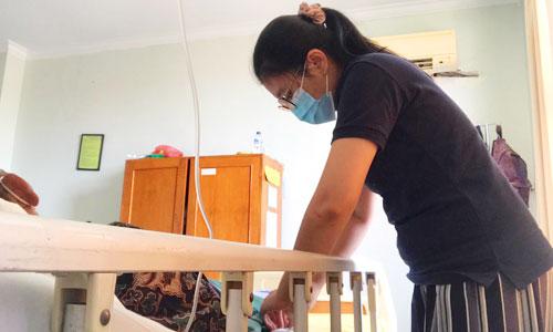 Perawat home care kesehatan di Denpasar Bali
