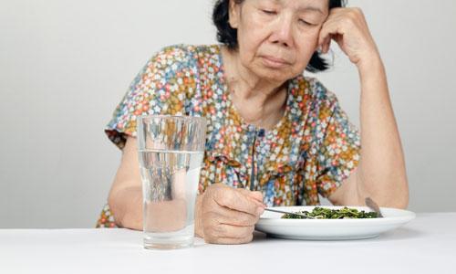 Tips merawat lansia pemarah dan keras kepala