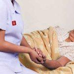 Menentukan Perawat Lansia Di Rumah